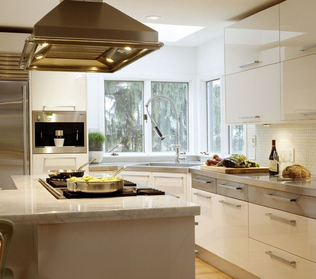 White color theme for the modern kitchen design of angular galley layout