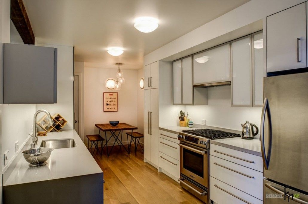 Modernistic kitchen set and lighting for the small area