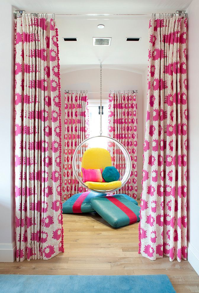 Perky pink curtains for the modern relaxing space