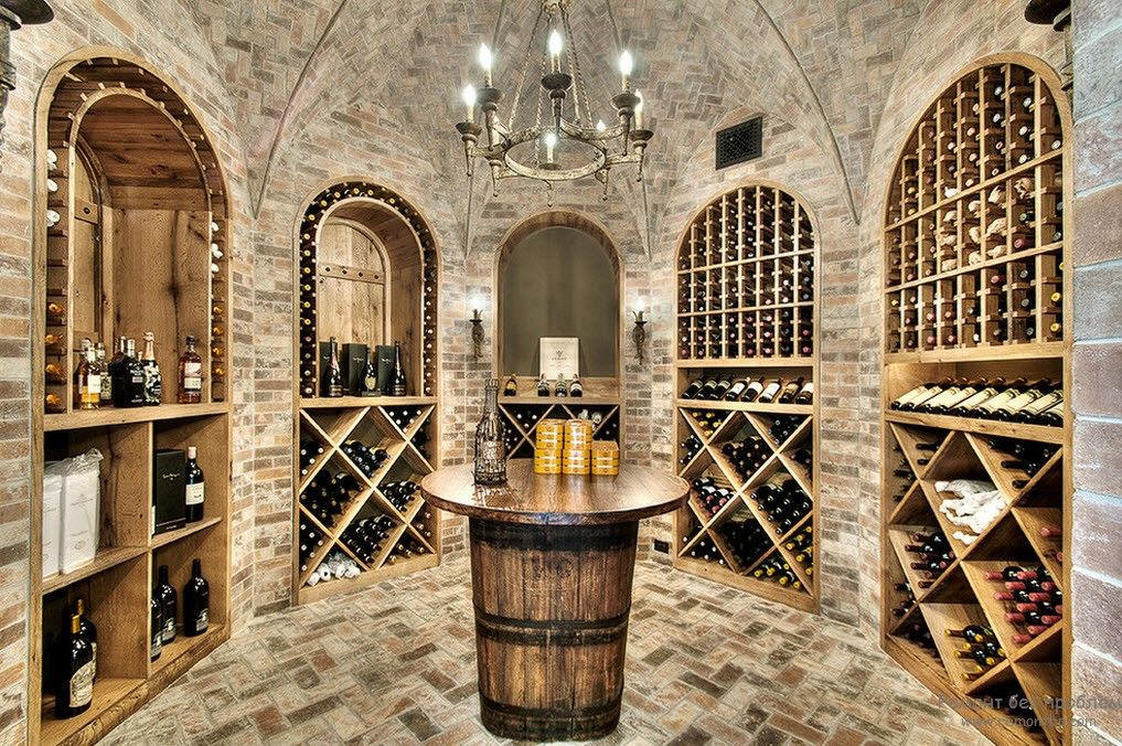 Re-creation of the ancient atmosphere in the modern cellar with arches
