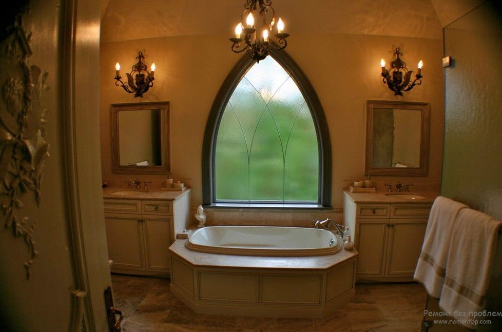 Unusual form of the window in the bathroom