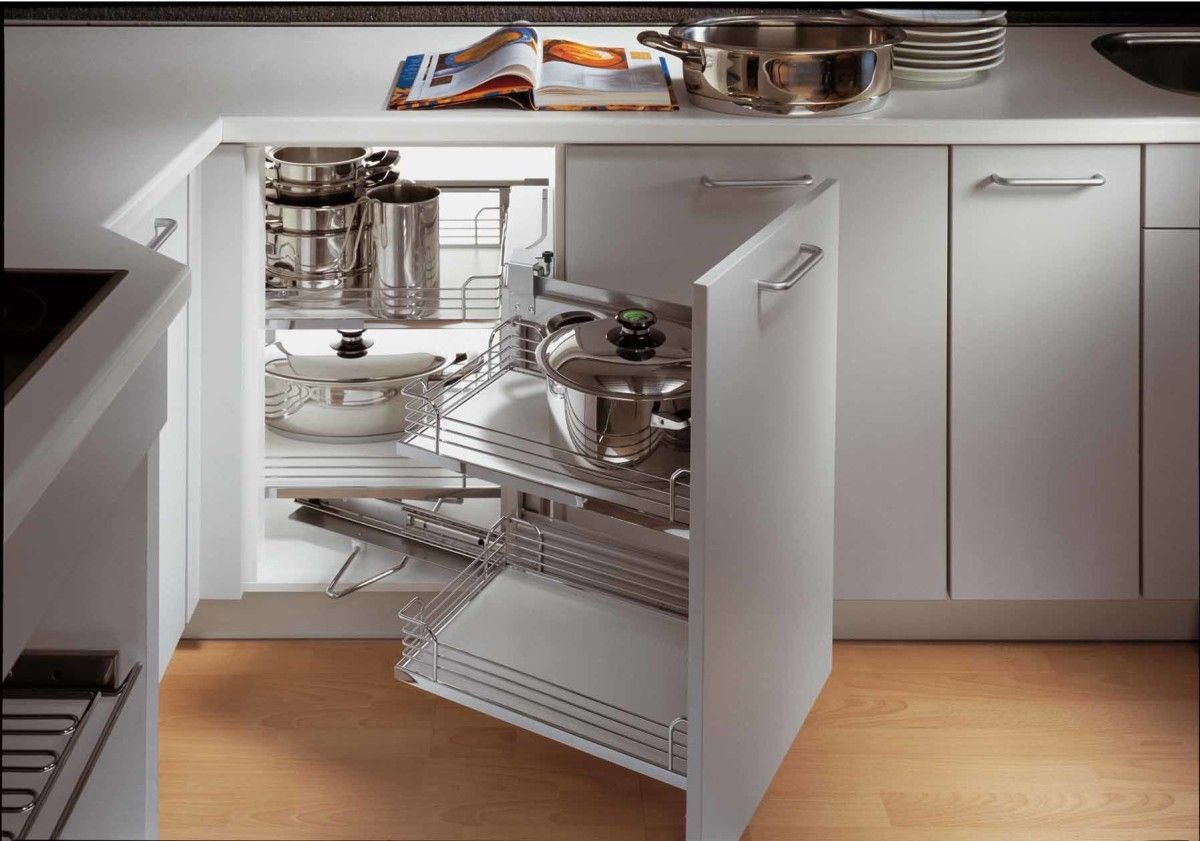Folding and rotating metal shelf for cookware