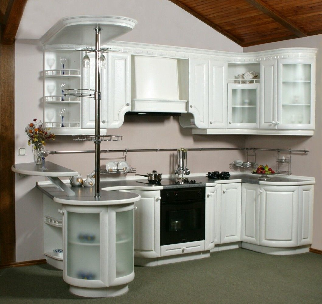 Nice multifunctional kitchen set with bar counter in classic style
