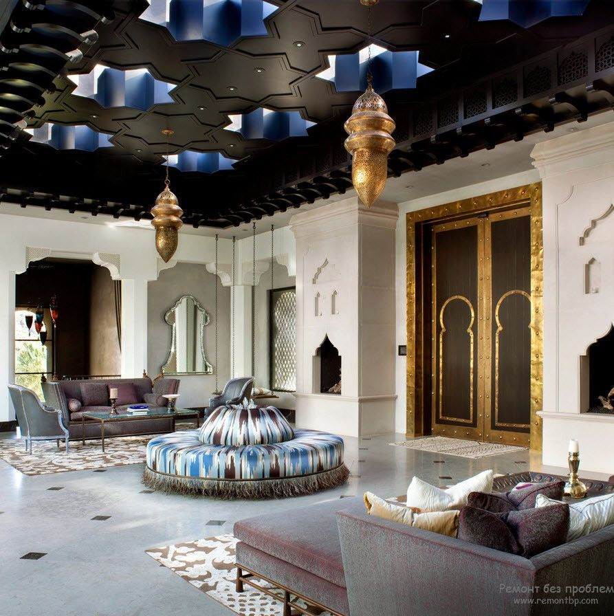Dark ceiling at the patio zone of the Arabic styled house