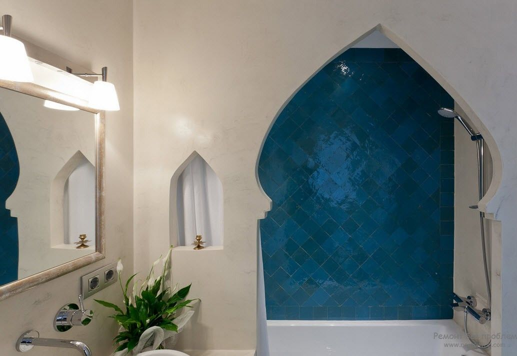 Arabic tile and domed passage to the bathroom