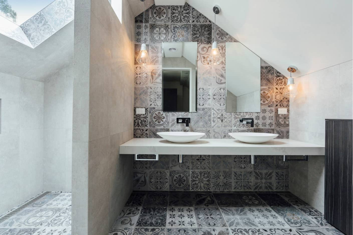 Whole the bathroom interior in the Moroccan Zellij tiles for unrepeatable atmosphere