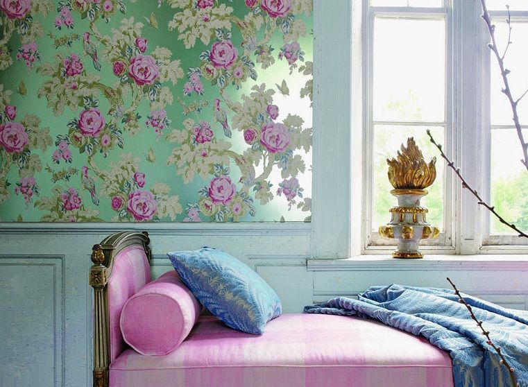 Nice classic bedroom design with floral motif of the wall decoration