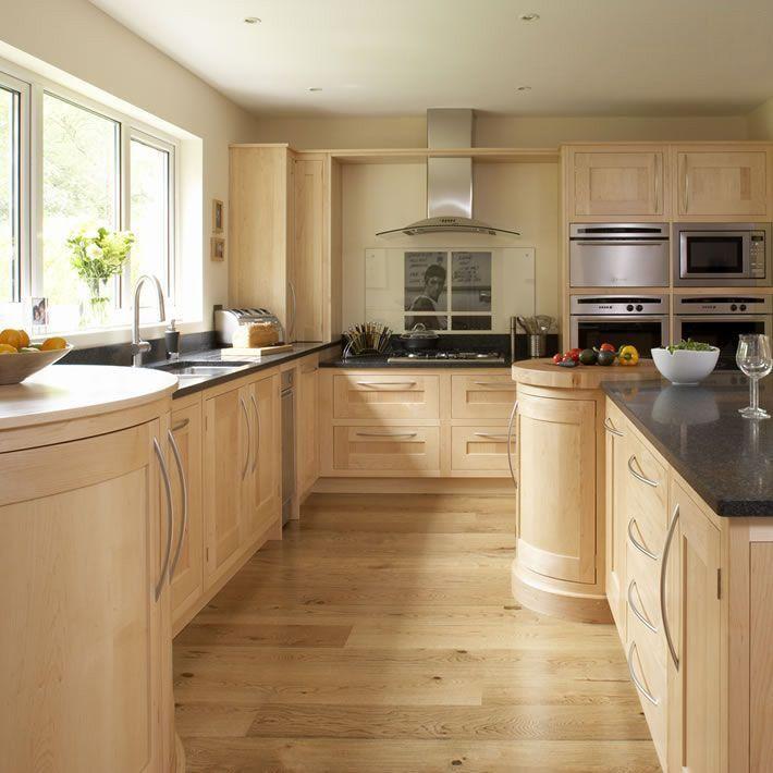 Light wooden kitchen decoration