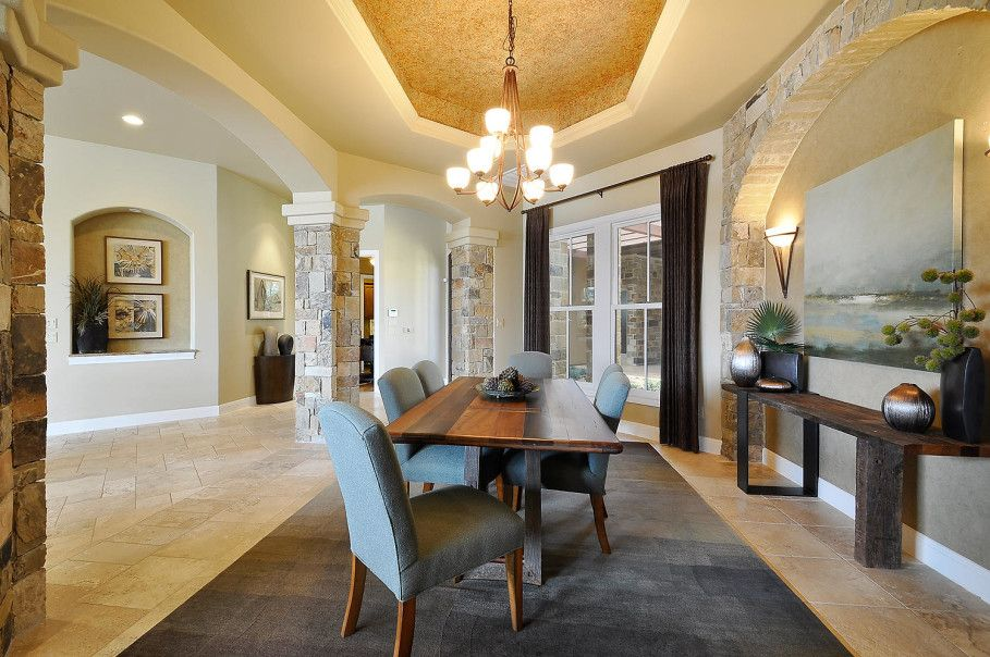 Dining room in Contemporary style with large table