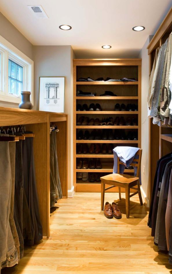 Wooden materials to trim the modern styled wardrobe in the pantry