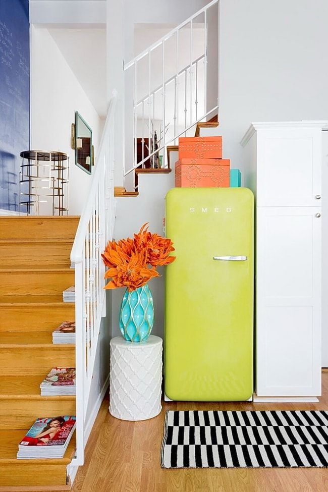 Contrasting lime colored fridge for the modern interior