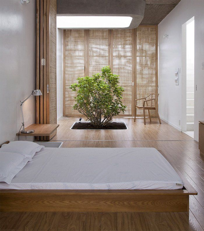 Japanese spirit with door partitions and wooden bed