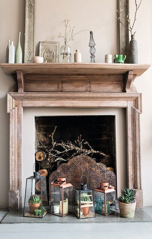 Gorgeous wooden design with mantelshelf for fireplace