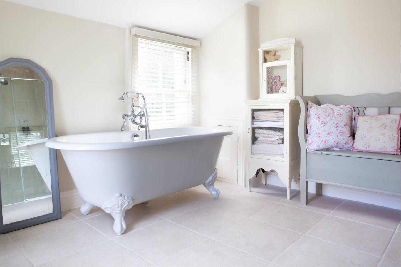 Grandeur bathtub in chic bathroom