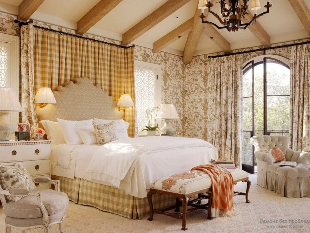 Pompous bedroom design with ruches and lambrequins