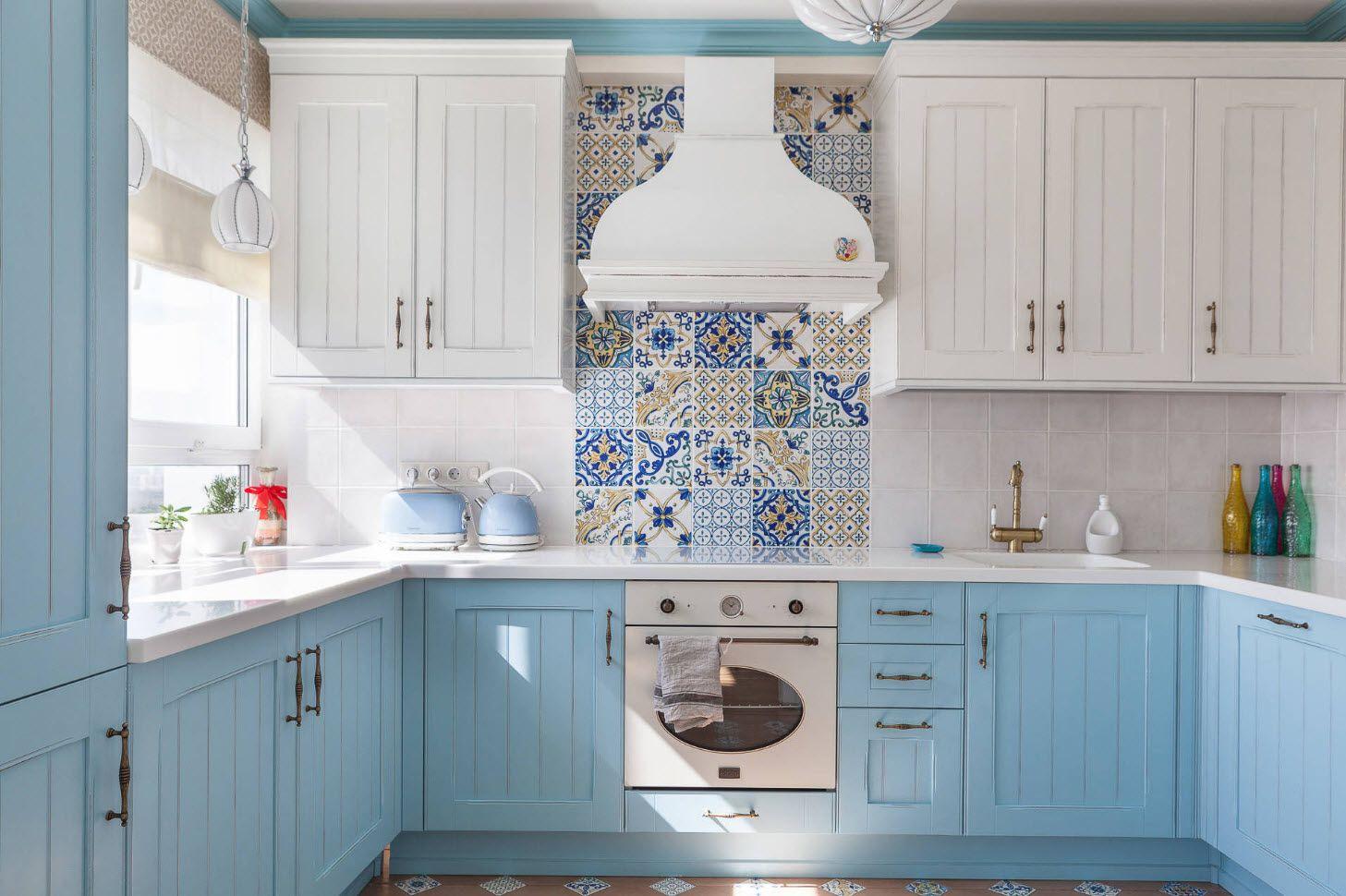 Arabic tiles for backsplash of Mediterranean styled kitchen