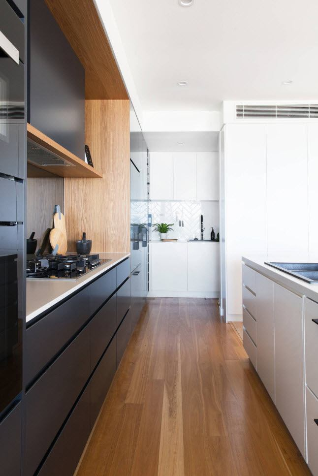 75 Square Feet Kitchen Interior Decoration Advice and Design Ideas. Black glossy surfaces of plastic plated cabinets