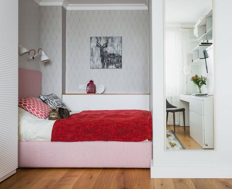 Niche in the Room: Recess in the Wall for Decoration and Functionality. Open layout apartment with small bedroom zone