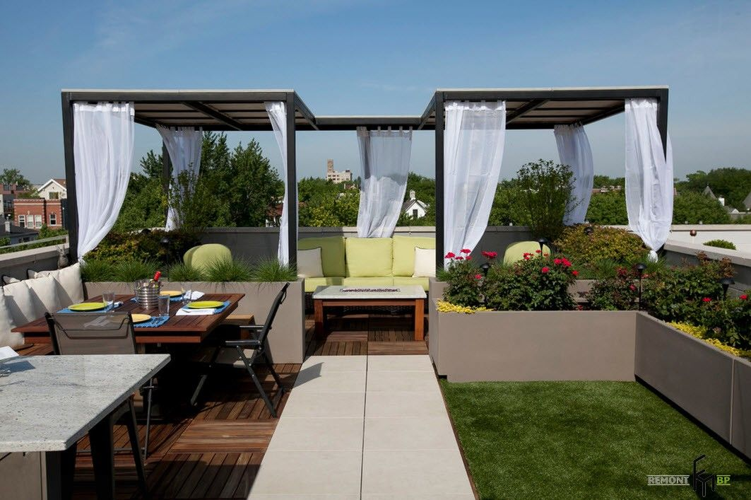 Two-part gazebo with tulle curtains