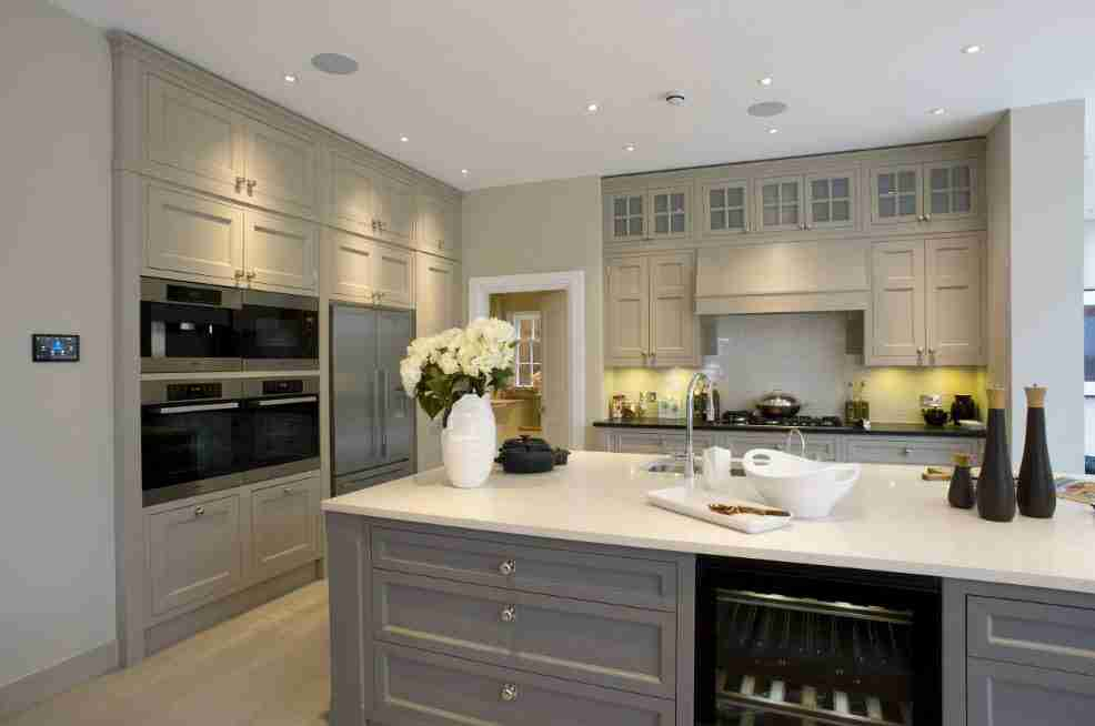 Ivory Interior Decoration Ideas, Photos, Advice. Gray decorated kitchen with monolith furniture
