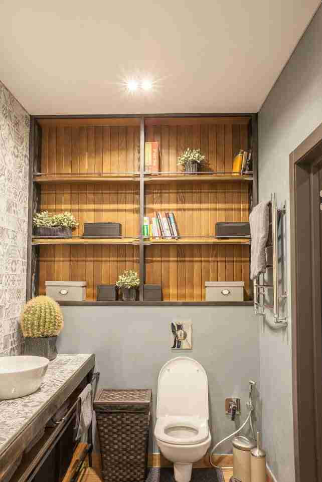 Bathroom Shelves: Fashionable Trends of Practical Interior Decoration. Bookshelves right at the bathroom