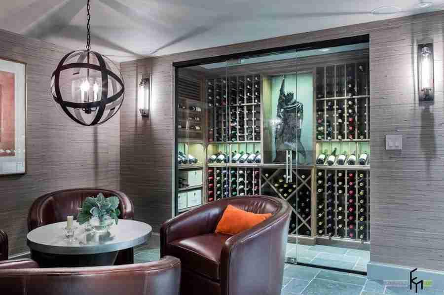 A figurine to decorate the wine cellar