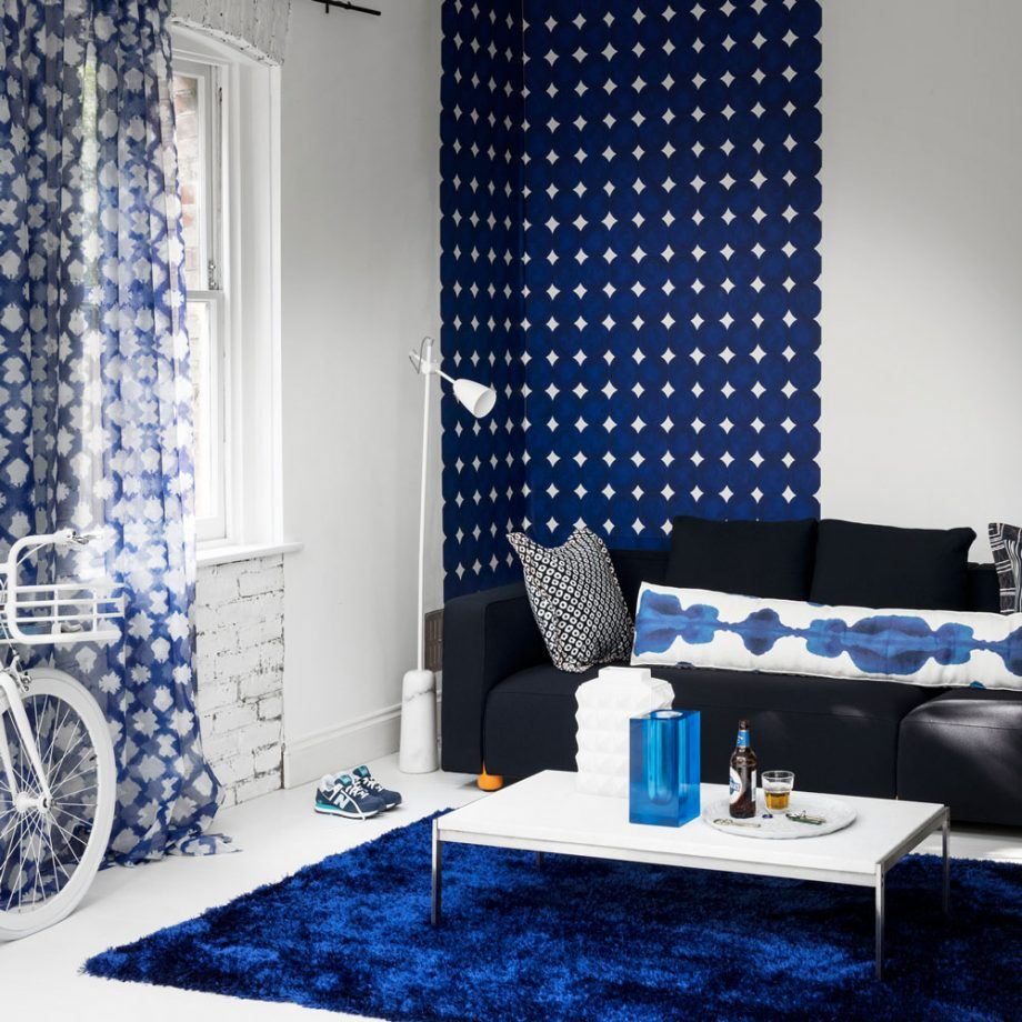 130 Square Feet Living Room most Effective Design Ideas. Blue dotted accent wall zone