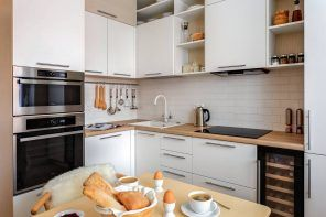 90 Square Feet Kitchen Interior Design Ideas & Examples. Nice combination of cabinets and open shelves