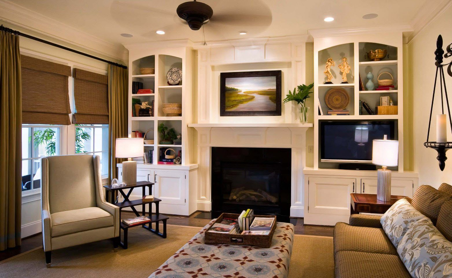 150 Square Feet Living Room Best Arrangement Ideas. White wall decoration and many shelves