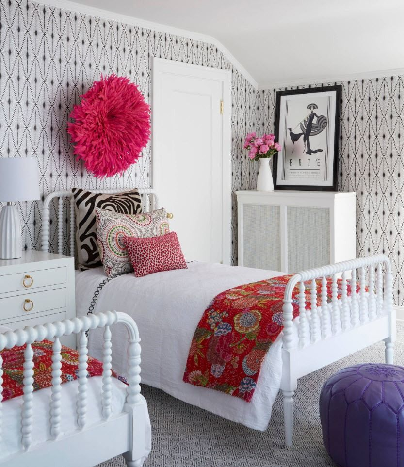 Black and White Wallpaper: Ageless Classics in any Interior. Room for children with white metal frames of beds and dotted wallpaper