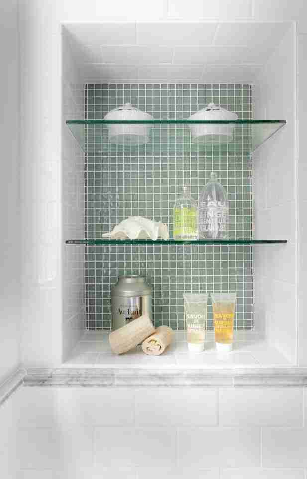 Bathroom Shelves: Fashionable Trends of Practical Interior Decoration. Glass shelves and green mosaic