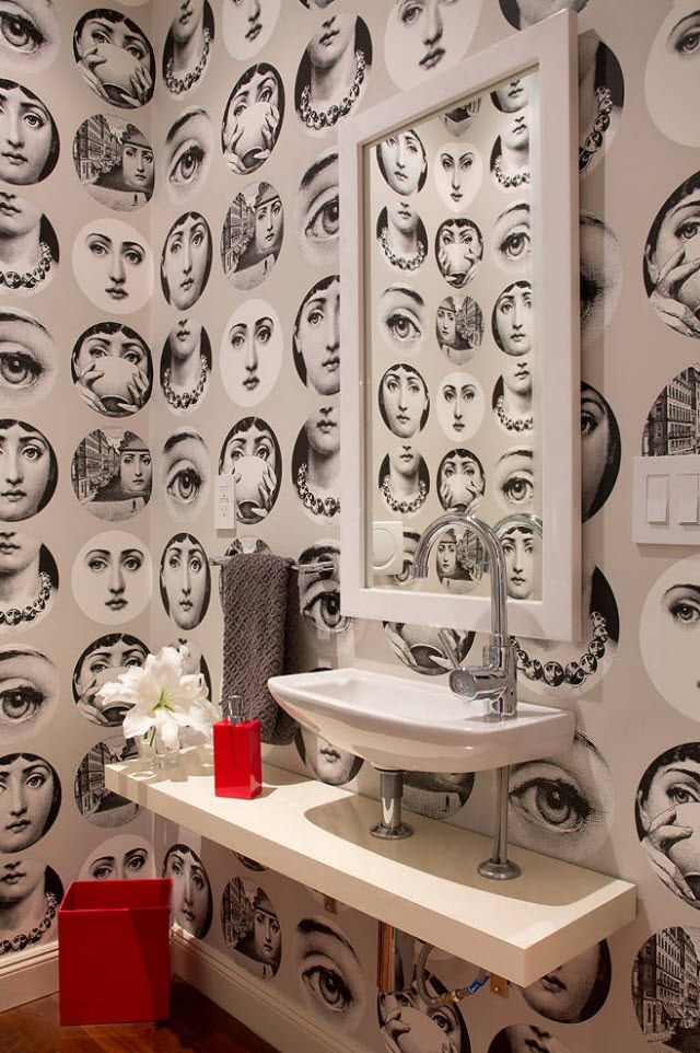 Black and White Wallpaper: Ageless Classics in any Interior. Faces on wallpaper for VIntage styled bathroom