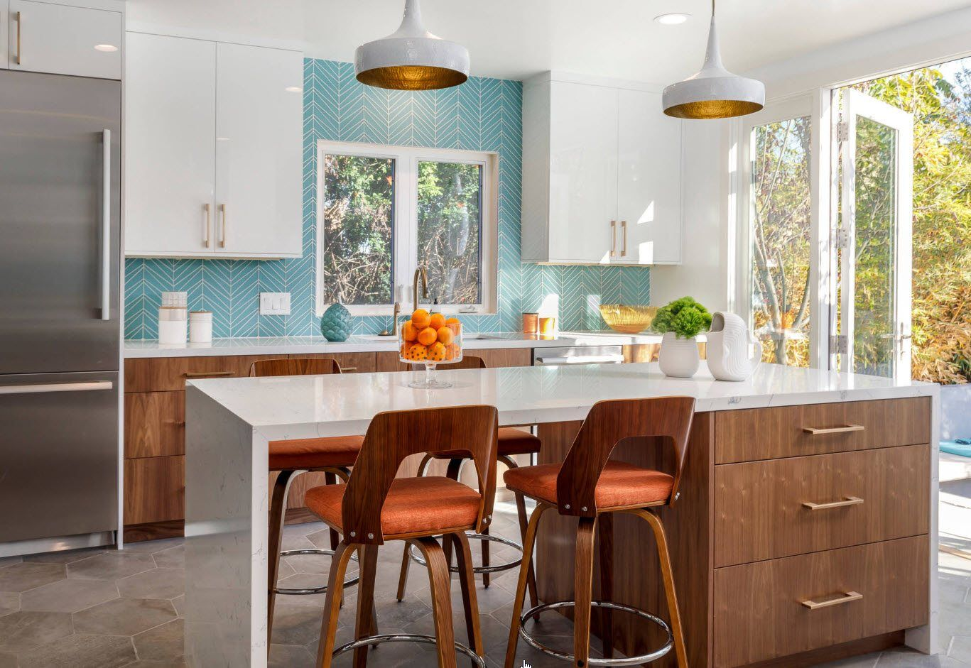 Turquoise kitchen wall decoration with white cabinets