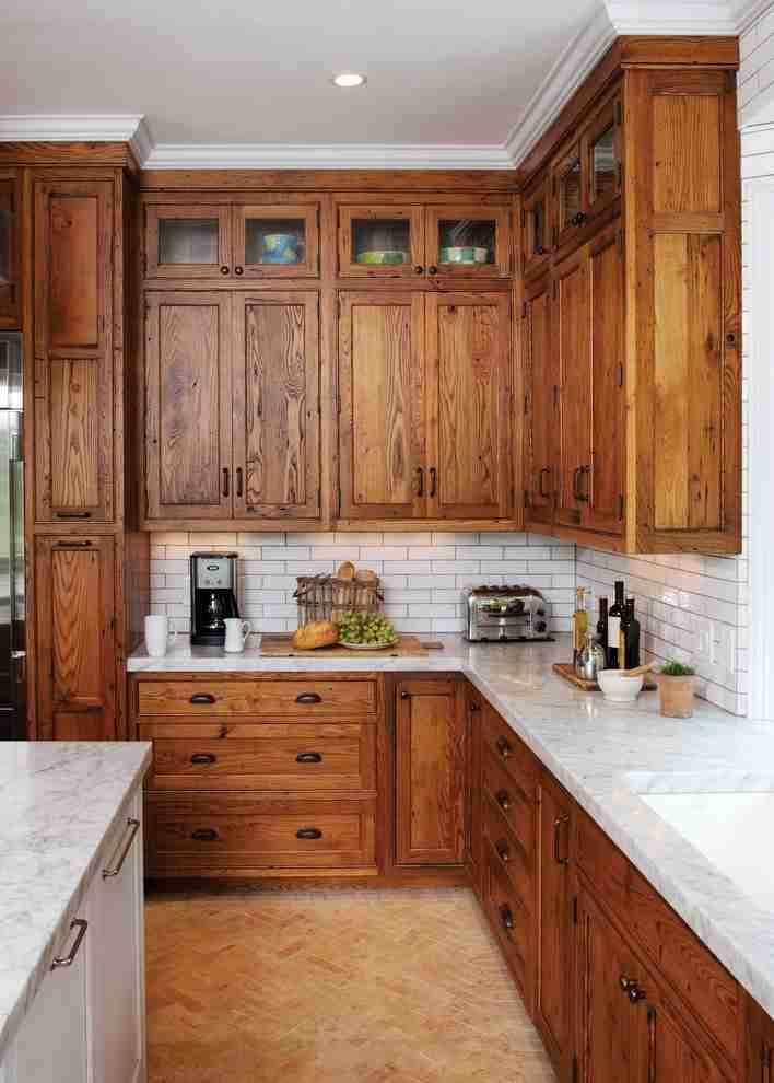Solid Wood Kitchen Stylish Ideas for Modern Interiors. Modular wooden cabinets on two tiers for classic styled area