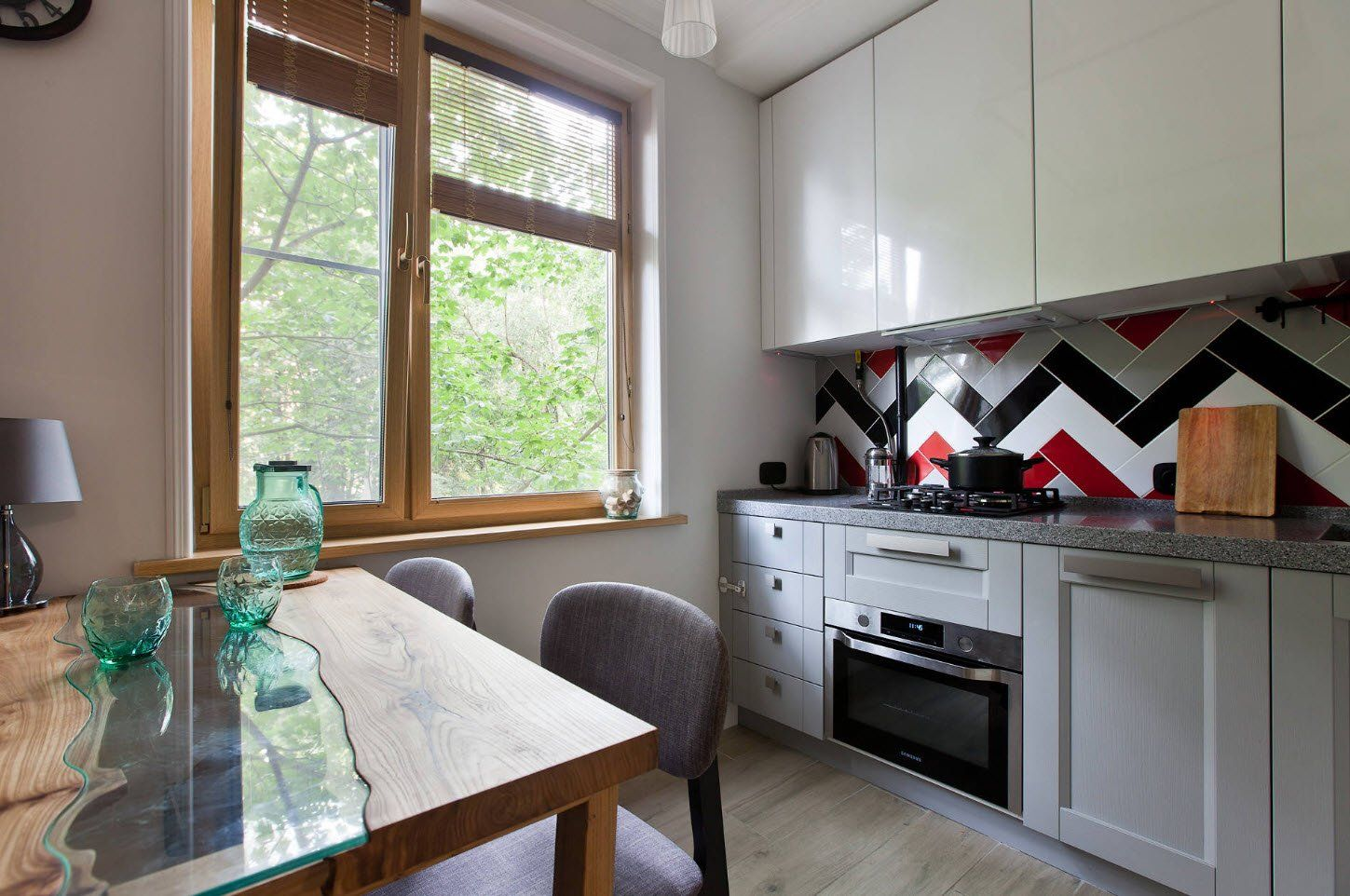 Casual design for kitchen with large wooden window