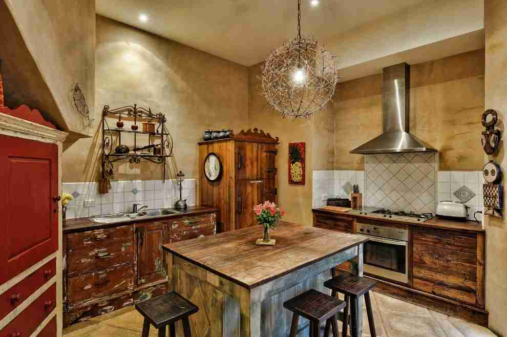 Solid Wood Kitchen Stylish Ideas for Modern Interiors. Ethnic traits with Classic designed kitchen