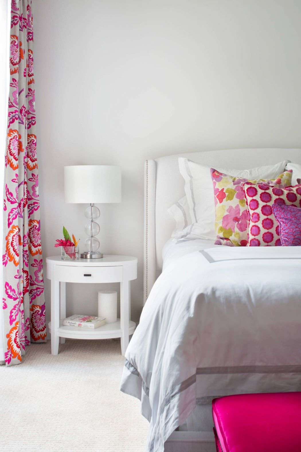 150 Square Feet Bedroom Interior Decoration and Photos. Girlish bedroom with white and pink combination
