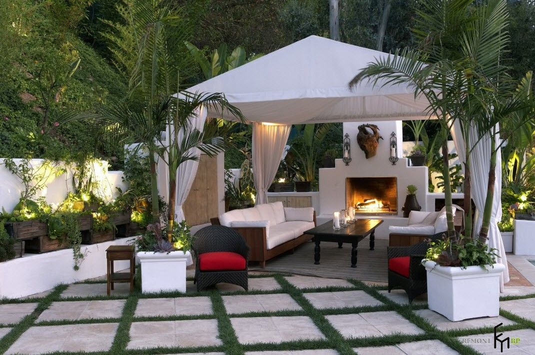 Backyard and Garden Gazebo: Design, Form, Use and Practical Advice. Margee of white curtain