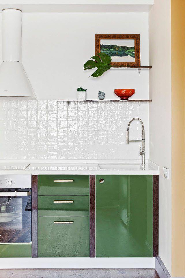 Glossy tiles for the backsplash
