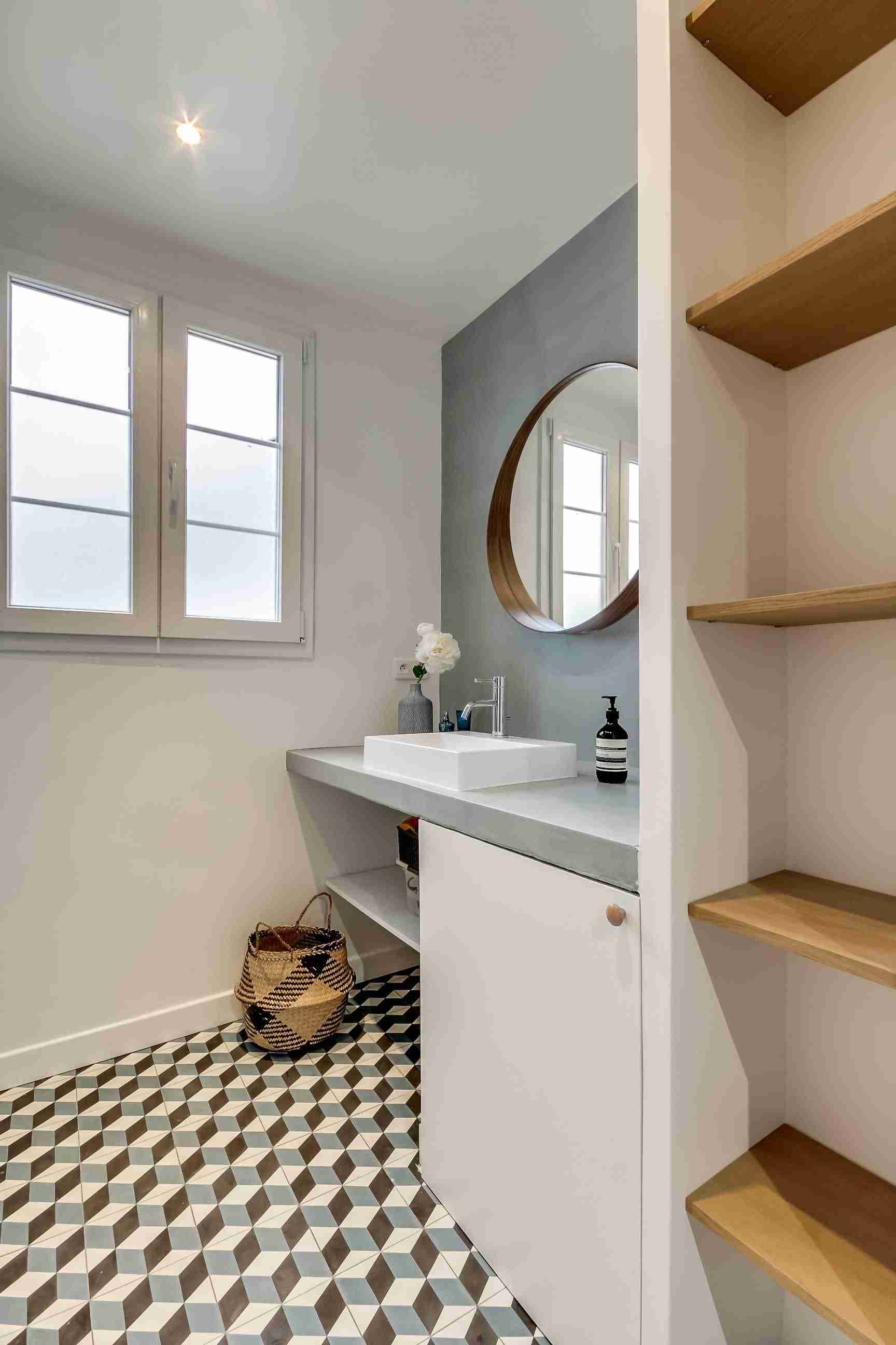 Bathroom Shelves: Fashionable Trends of Practical Interior Decoration. Gray accent wall with the mirror and countertop