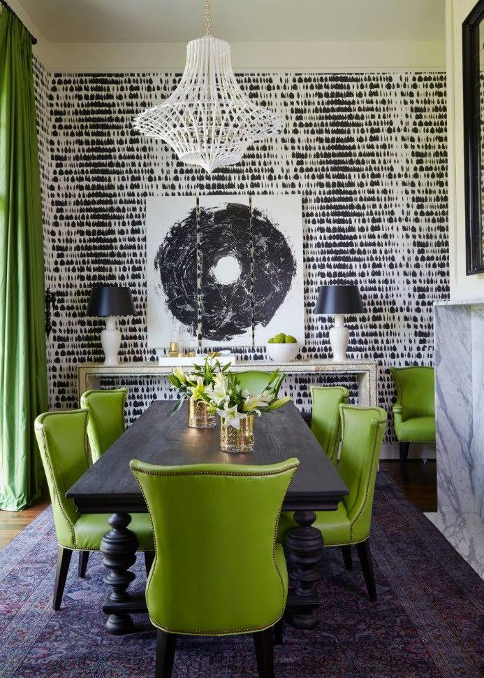 Black and White Wallpaper: Ageless Classics in any Interior. Green curtains and dining group at the wooden table and