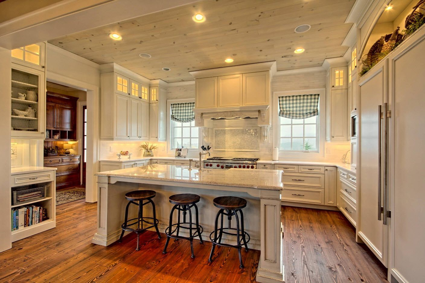 Classic design of the Classic kitchen in white with natural wooden floor