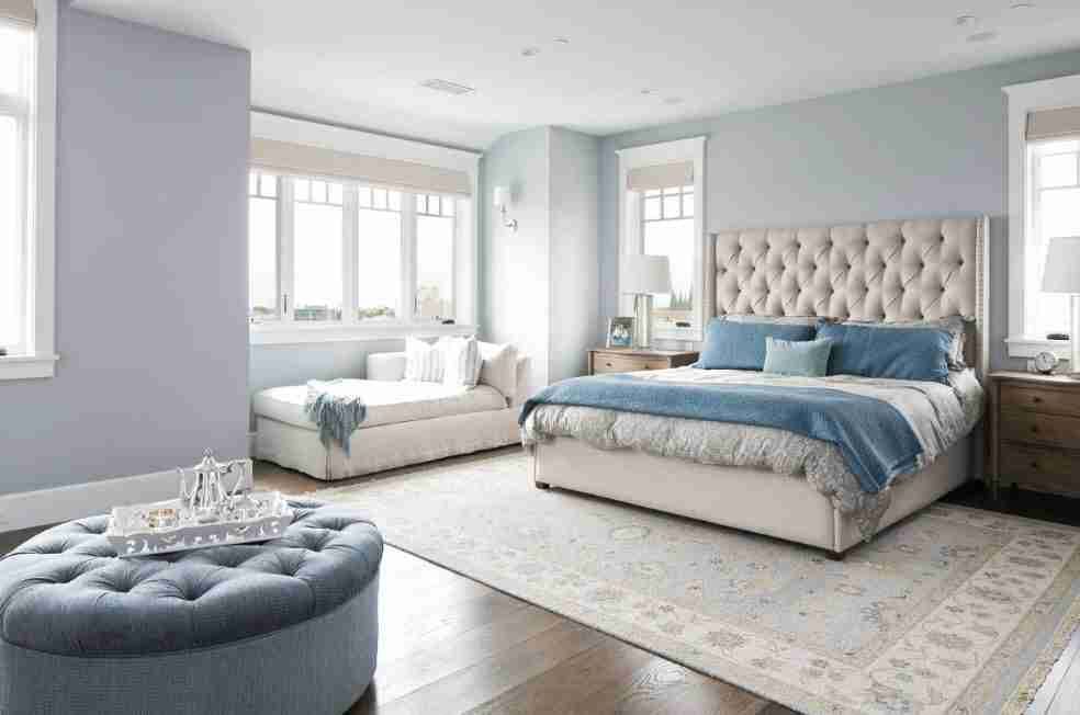 Modern design is also possible with light blue walls