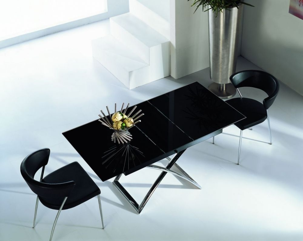 Spectacular table design of black plastic