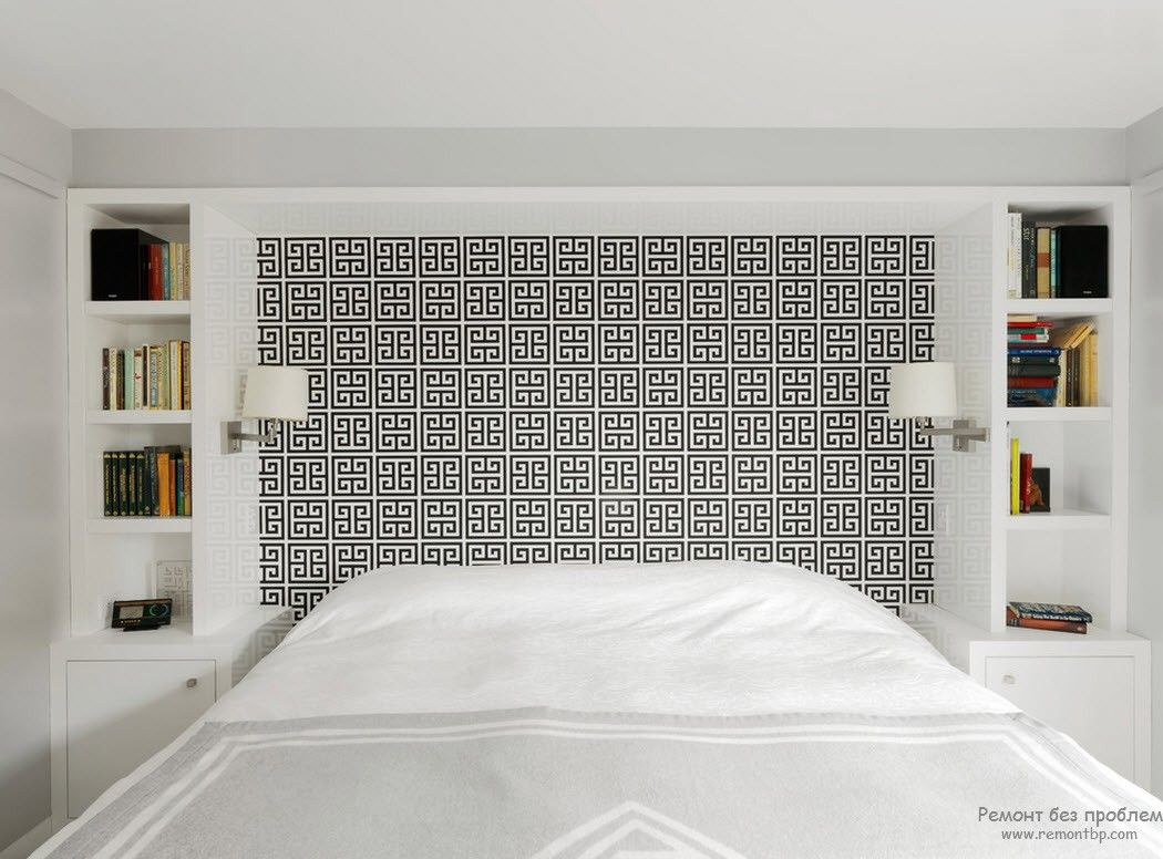 Greek Interior Design Style: Antiquity in Your Home. Intricated pattern at the headboard of large light bedroom with king size bed