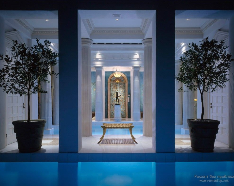 Greek Interior Design Style: Antiquity in Your Home. Columns at the backyard near the pool