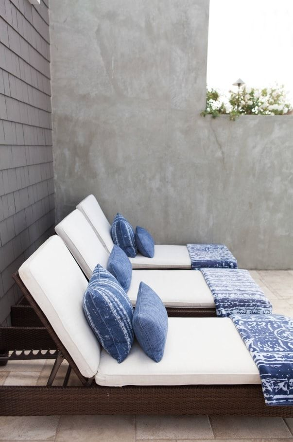 Top 10 Small Apartment Patio Ideas with Photos. Loungers at the leisure zone