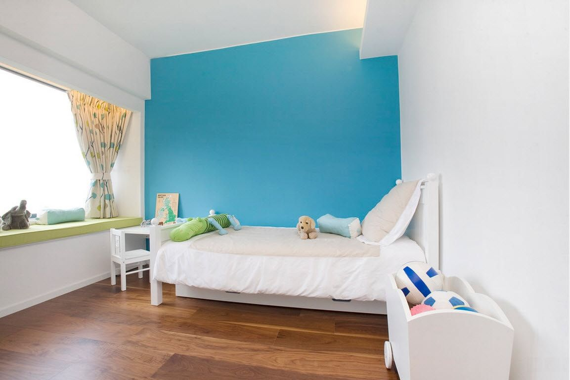 Color Therapy for Children's Room: Why Need Proper Color Combination? Striking blue accent wall
