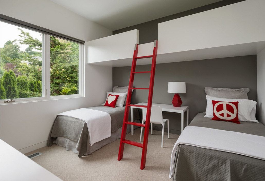 Color Therapy for Children's Room: Why Need Proper Color Combination? Red ladder at the bunk bed
