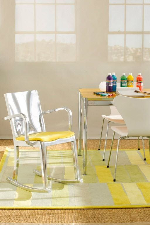 Color Therapy for Children's Room: Why Need Proper Color Combination? Unusual yellow patchwork carpet
